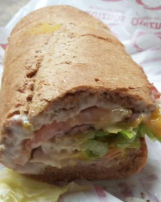 Quiznos Traditional inside view