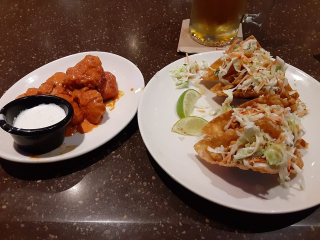Applebee's boneless wings and wonton tacos