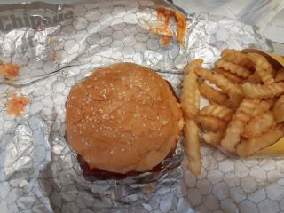 Braum's Pimento Bacon Cheeseburger
